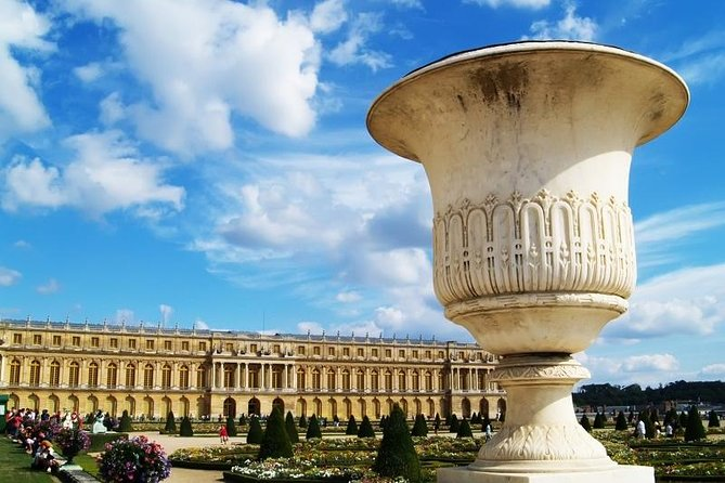 Versailles Palace Priority Access Guided Tour Optional Show & Pickup from Paris