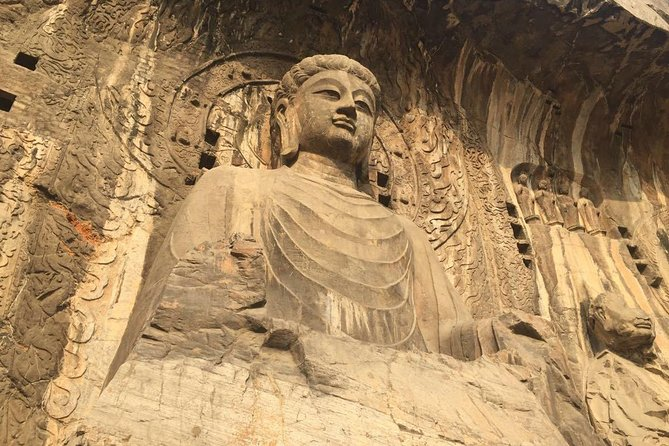 Private Tour to Shaolin Temple and Longmen Grottoes with Peony Blossom from Zhengzhou
