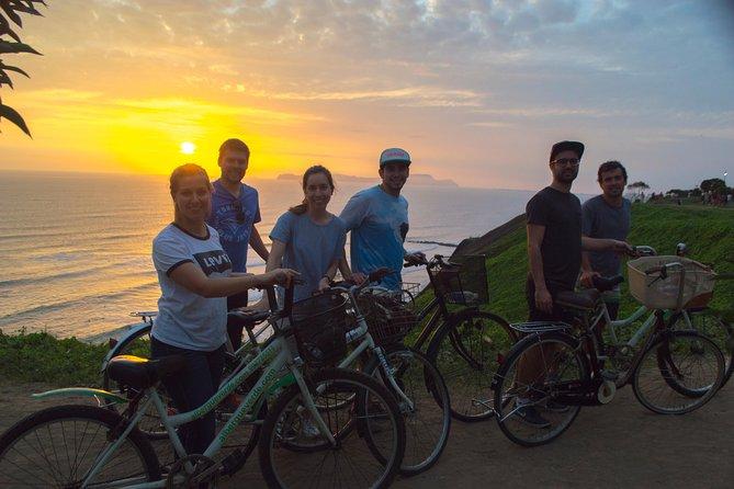 Lima Bike Tour Miraflores - Barranco + Huaca Pucllana!