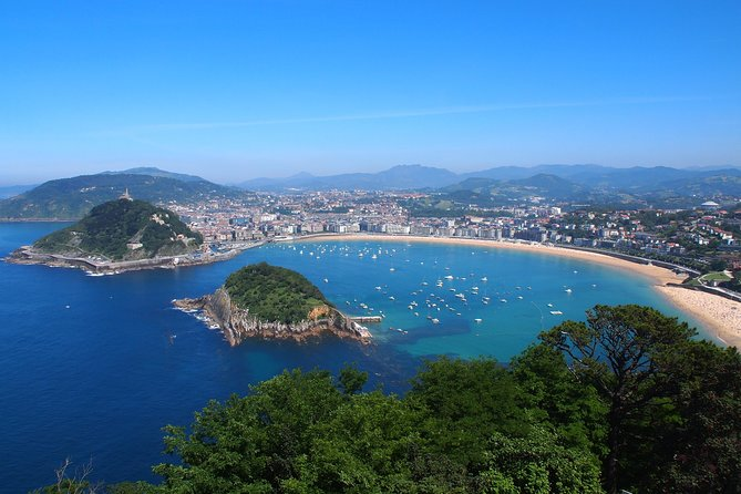 4-Day Guided Tour Basque Country and Oviedo from Barcelona