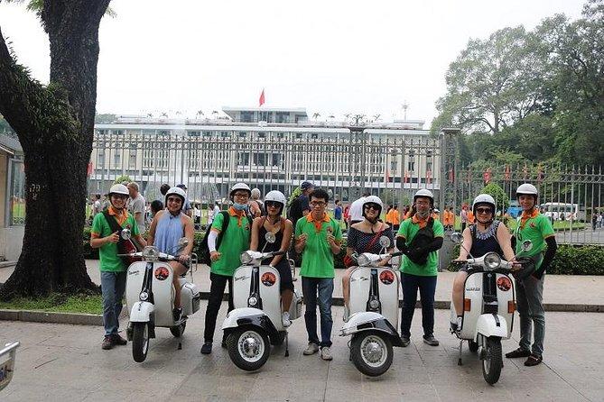 Saigon Vespa City Tour 2,5 hours