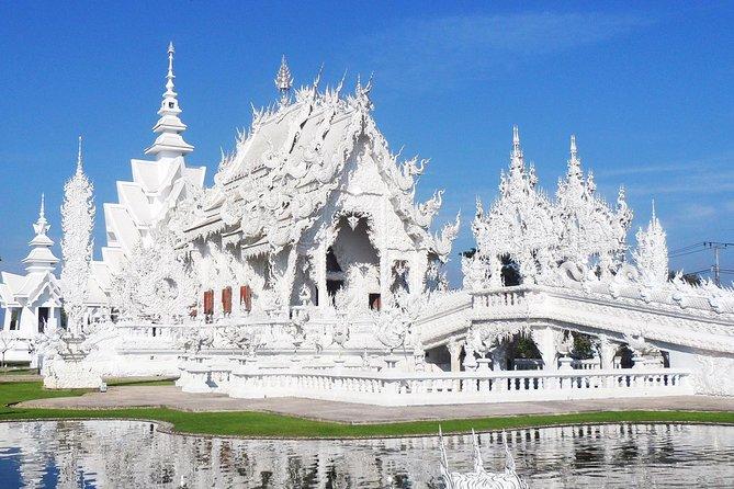 Chiang Mai to Chiang Rai, White temple & Golden triangle