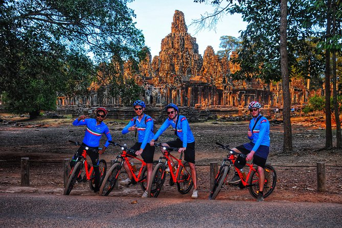 Tour de Friends – Discover Angkor Wat Full Day Bike Tour