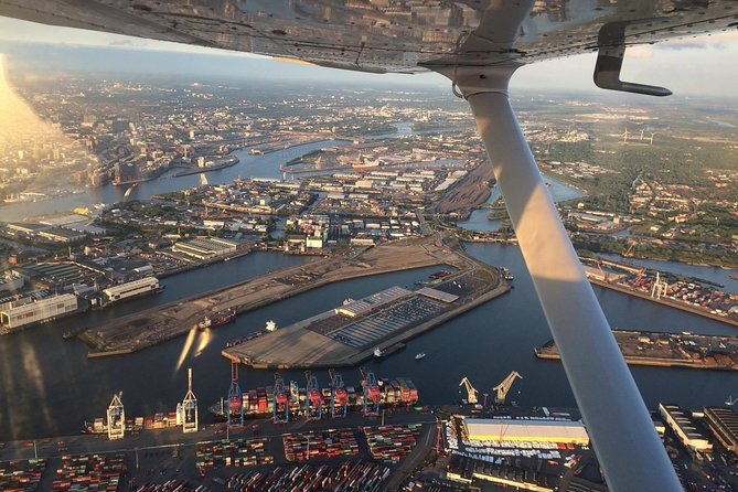 1-Hour Sightseeing Tour Over Hamburg