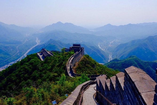 Private Transfer Service from Beijing To Juyongguan and Badaling Great Wall photo 2
