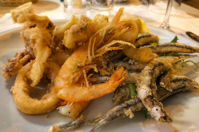 Seaside Naples Food Tour with Marina Promenade & Visit of Castel dell'Ovo photo 3