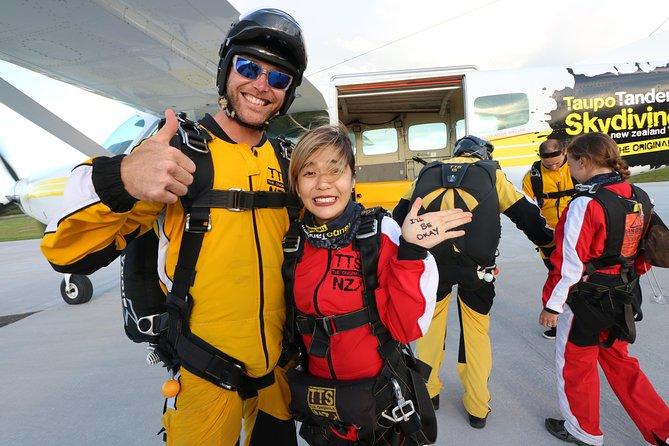 Lake Taupo 12,000-Foot Tandem Skydiving