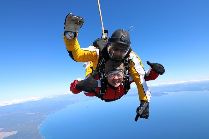 Lake Taupo 15,000-Foot Tandem Skydiving