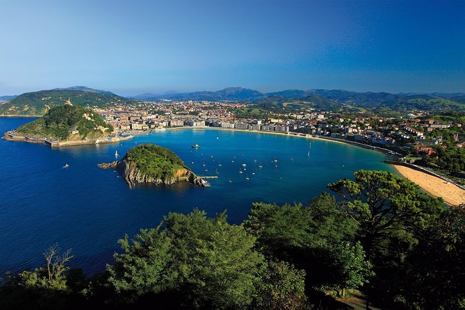 San Sebastián private guide with transport, maximum 4 persons.