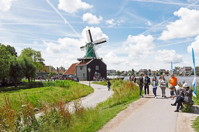 Keukenhof and Zaanse Schans guided day Tour with Amsterdam Canal Cruise