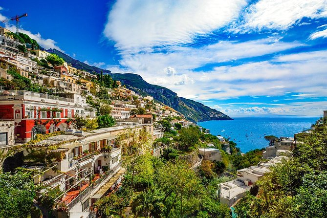 Private Transfer from Rome to Amalfi with 2 Sightseeing Stops