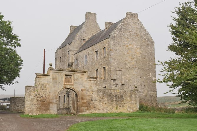 Outlander tours Lallybroch and Castle Leoch