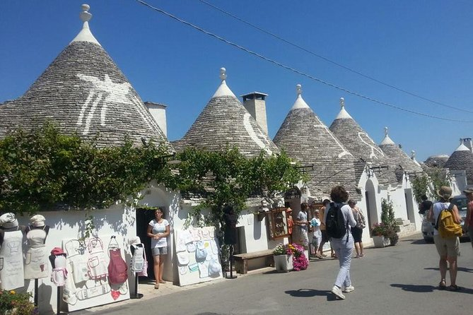 Walking tour Alberobello & olive oil tasting