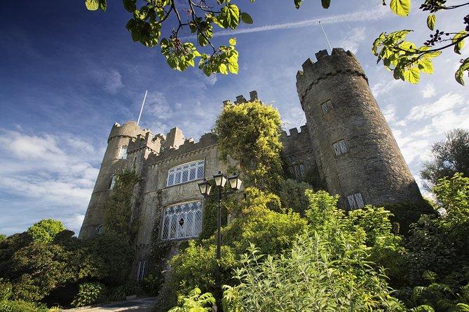 Viagem de meio dia ao Castelo Malahide, Baía de Dublin e Vila Howth, saindo de Dublin