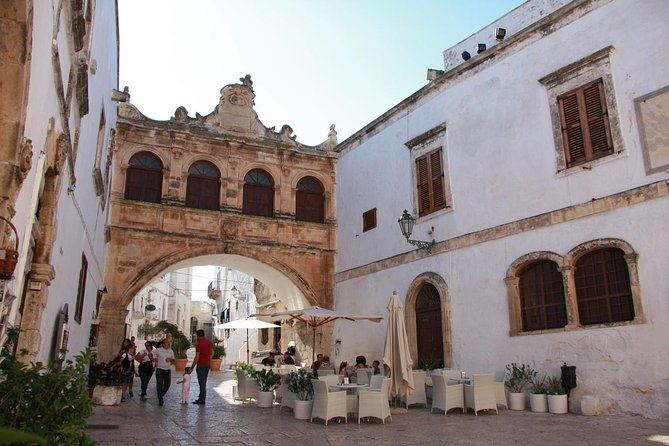 "Walking tour Ostuni ""the white city"""