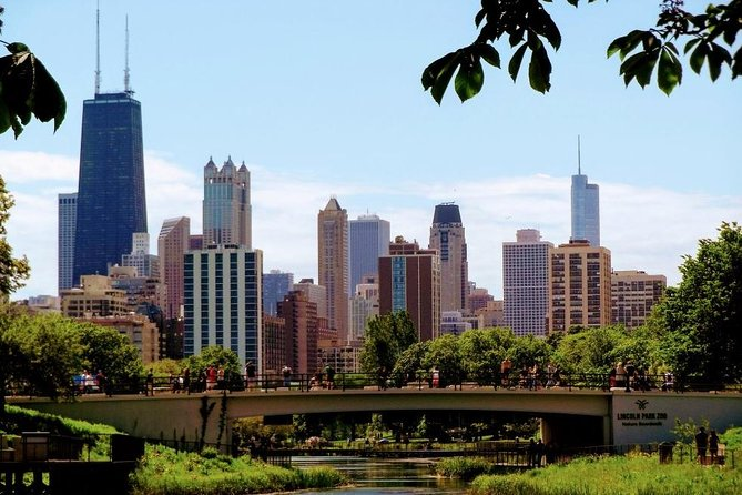 Land and River Architecture Tour of Chicago's Scenic North Side photo 3