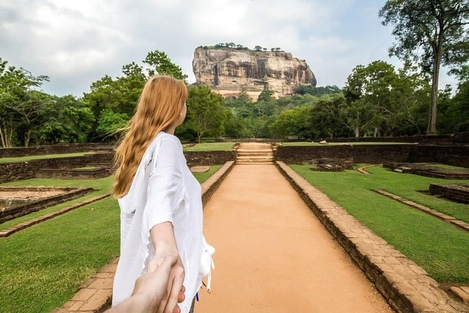 4 Days Tour to Kandy, Sigiriya, Trincomalee & Anuradhapura from Colombo