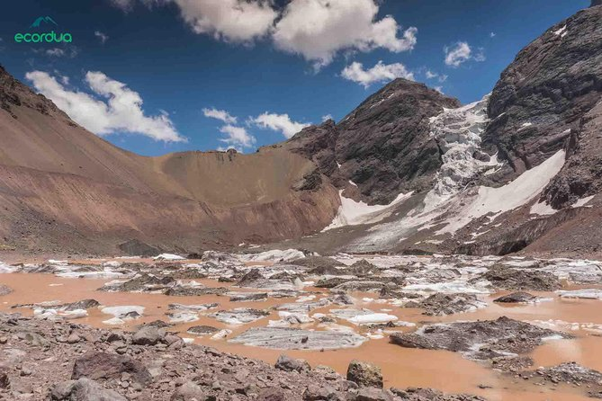 Maipo Valley Glaciers - 2 day guided hiking tour with camping close to Santiago