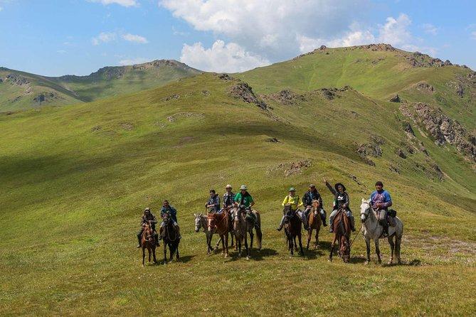 Extreme horseback riding tour at the Ketmen ridge