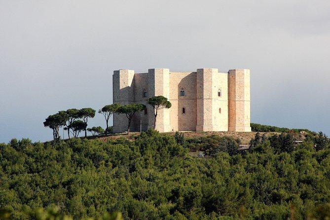 Walking tour Castel del Monte Unesco site