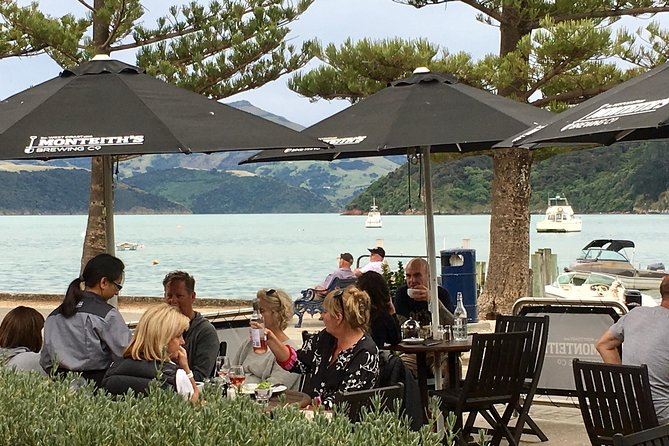 Akaroa, Private Day Tour from Christchurch with 2 hr Wildlife & Dolphin Cruise