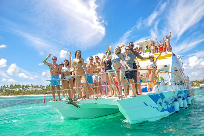 Catamarã Particular: snorkel em recife e piscina natural saindo de Punta Cana