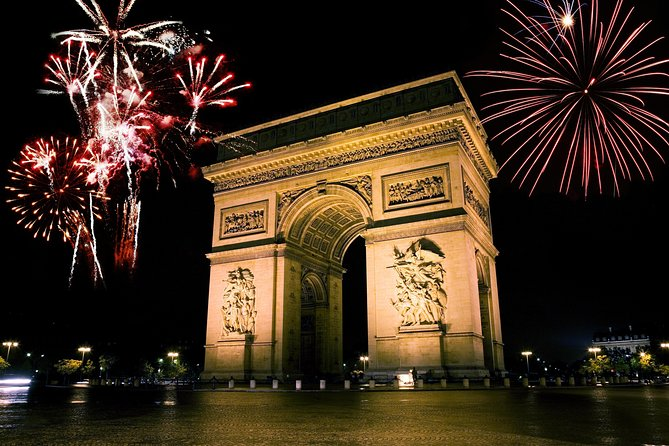 Paris New Year's Eve Dinner Cruise With Hotel Pick Up