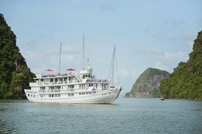 Crucero por la bahía de Halong de 3 días con kayak, cuevas, granja de perlas y pueblo flotante