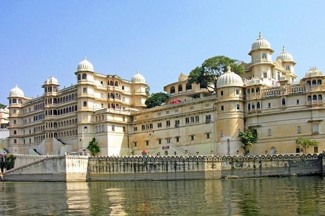 Private Full-Day Udaipur City Sightseeing Tour With Optional Guide