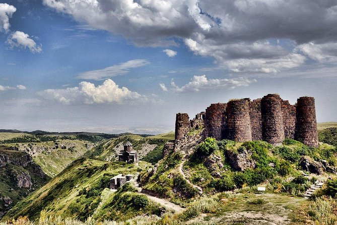 Day tour: Yerevan - Saghmosavank - Hovhannavank - Amberd