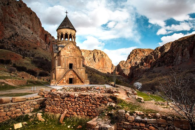 Day tour: Yerevan - Khor Virap - Noravank - Areni - Tatev