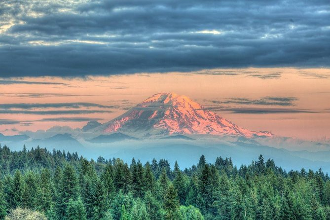 Hike Mt. Rainier & Taste Yakima Valley Wine: All-Inclusive Day Tour from Seattle