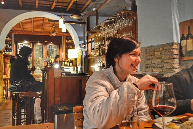 Wine Tasting, Food & Sightseeing Tour in Rome with local guide