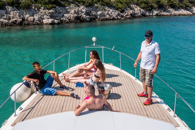 Private custom Blue & Green Cave tour with yacht from Hvar town