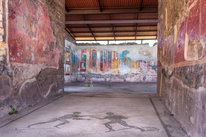 Tickets for Pompeii: Skip the line + Bus Roundtrip from Rome