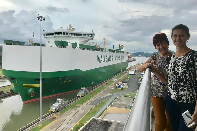 楽しいプライベートシティツアー+パナマ運河ロック