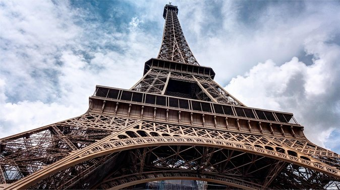 Guided Climb of the Eiffel Tower with Optional Summit Access, Paris, FRANCIA