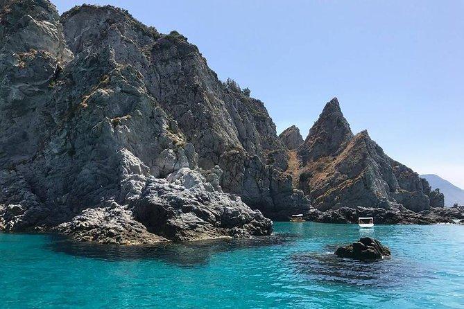 The best adventure on the COSTA DEGLI DEI - Snorkeling from Capo Vaticano to Tropea.