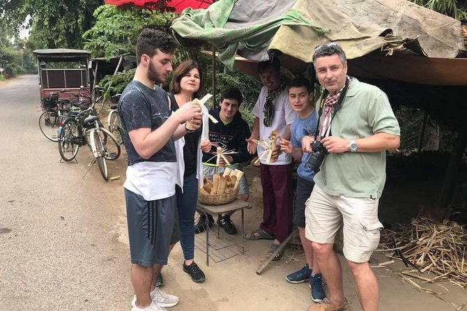 Morning half day tour to bamboo train,countryside,handicrafts,test local snacks