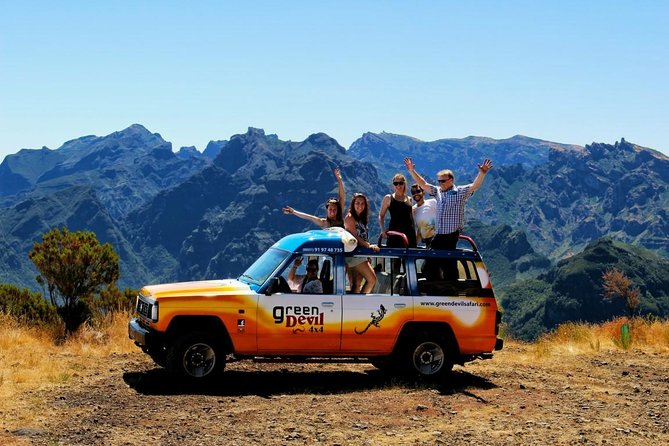 Northwest Terraces and Volcanic Pools 4x4 Full Day Tour