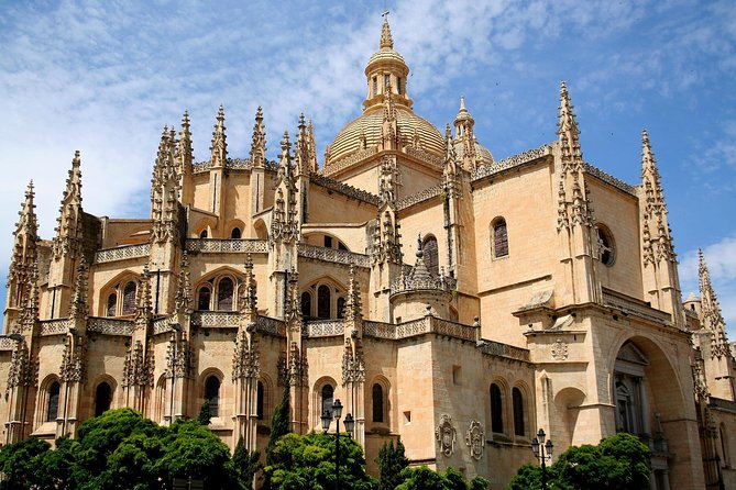 PRIVATE TOUR: Half Day Segovia from Madrid photo 2