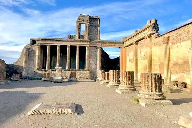 Private Guided Tour of Pompeii and Herculaneum