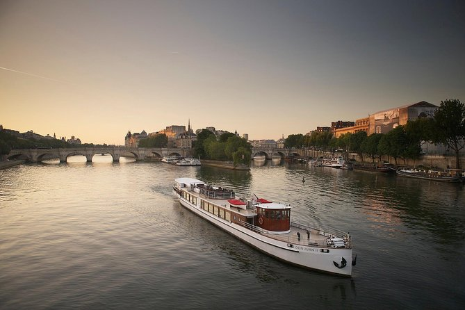 Yachts de Paris Seine River Gastronomic Dinner Cruise