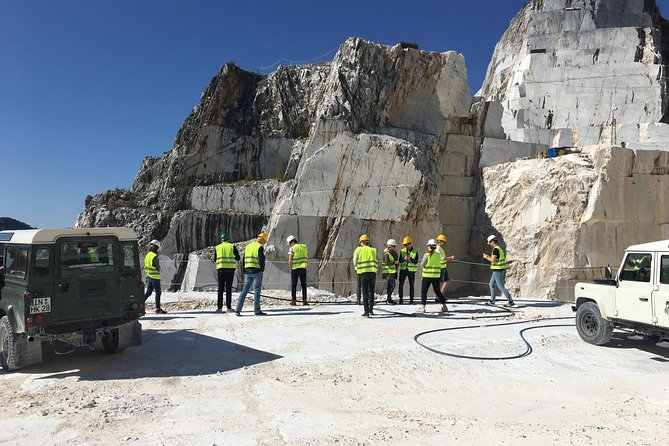 PRIVATE tour in Carrara marble quarries with 4x4 vehicles