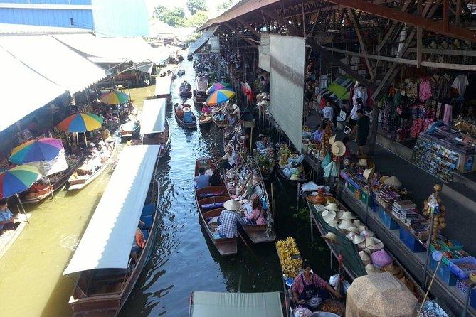 Damnoen Saduak Floating Market with Long-Tail Boat