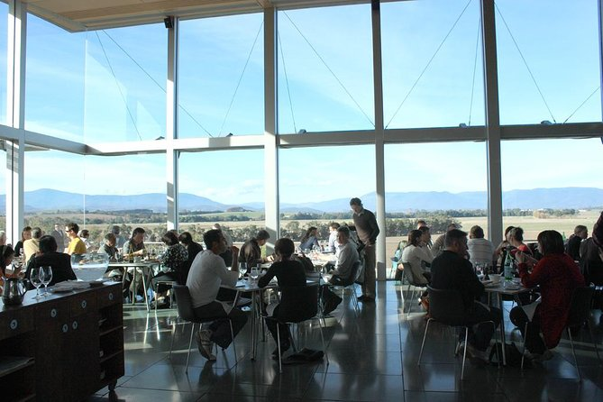 Yarra Valley Food and Wine Day Trip from Melbourne Including Lunch at Yering Station