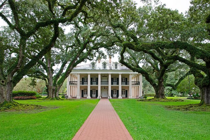 Oak Alley en Laura Plantation Tour met transport vanuit New Orleans