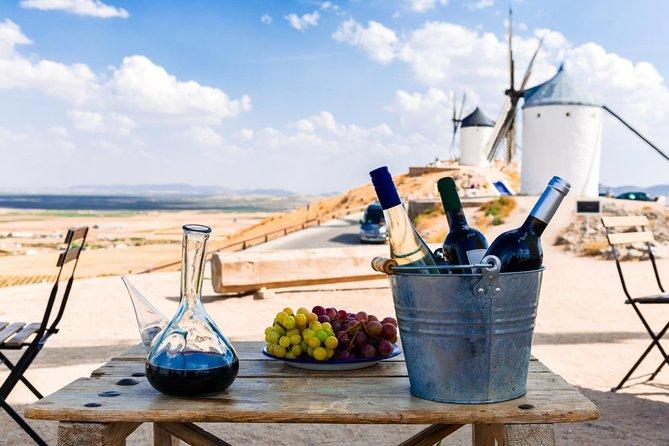 Excursão diurna a Toledo e excursão aos moinhos de vento de Don Quixote com guia especializado e degustação de queijos