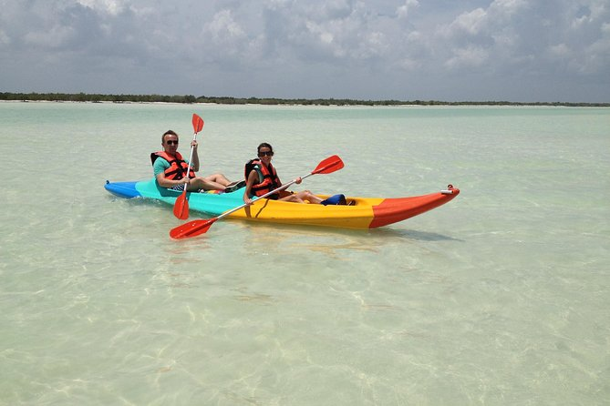 Kayaking Tour Through the Mangroves in Isla Holbox