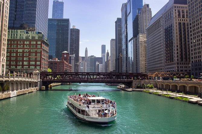 90-min Chicago River Architecture Tour